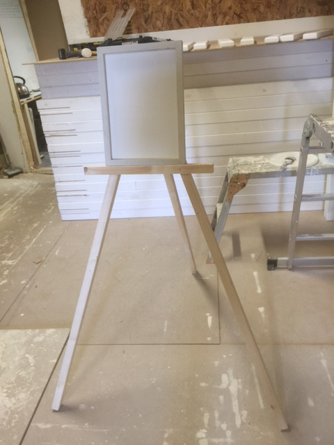 easel for art gallery display