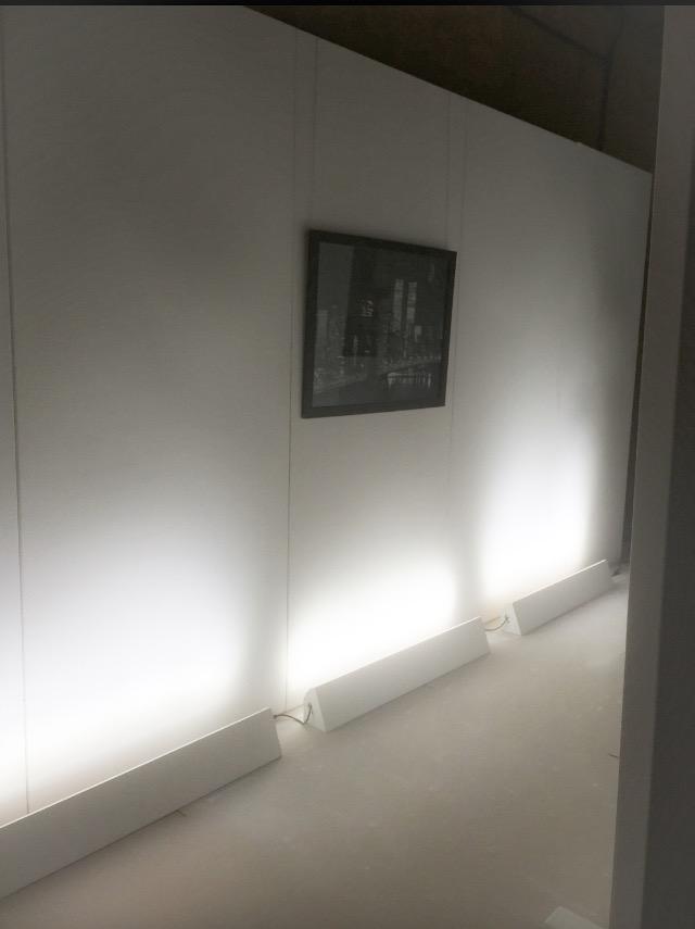 uplighting for art display walling