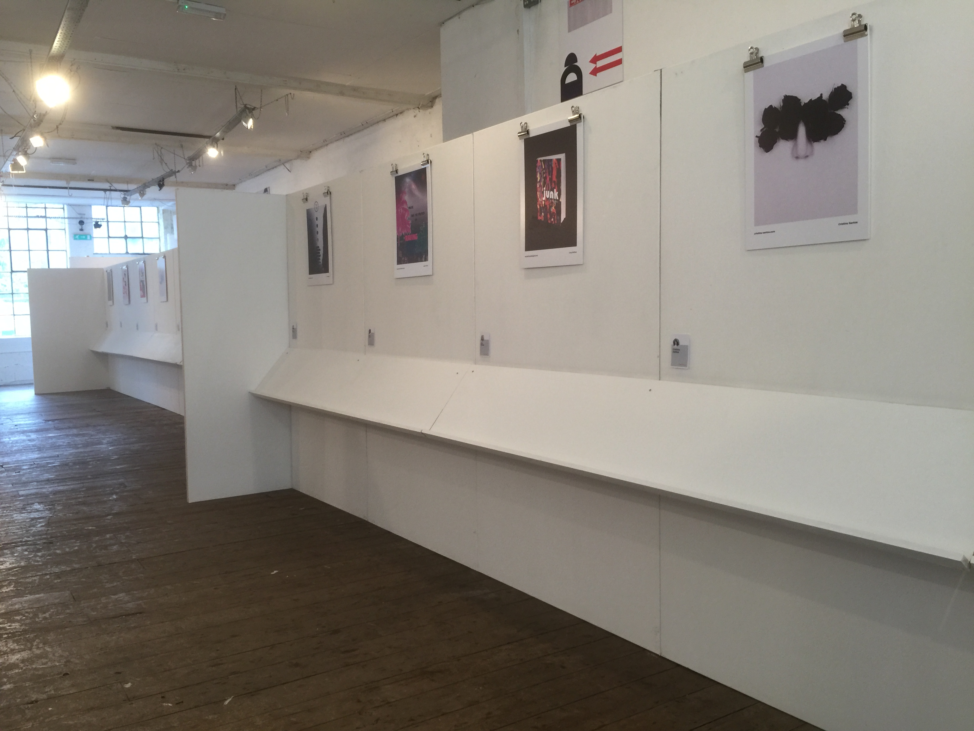 exhibition walling with shelves
