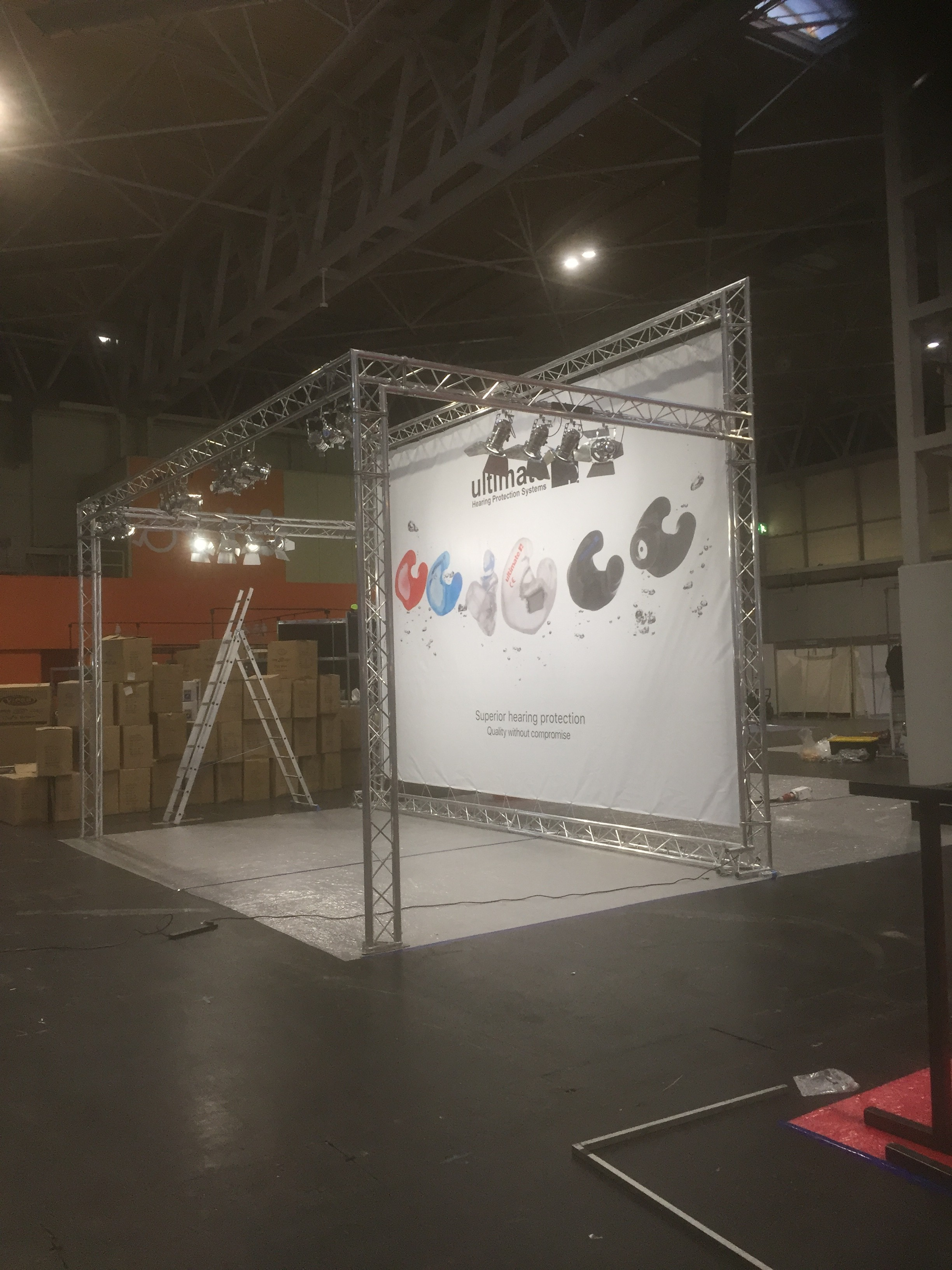 Art Exhibition Stand Hire : Truss with lighting exhibition stand hire walls