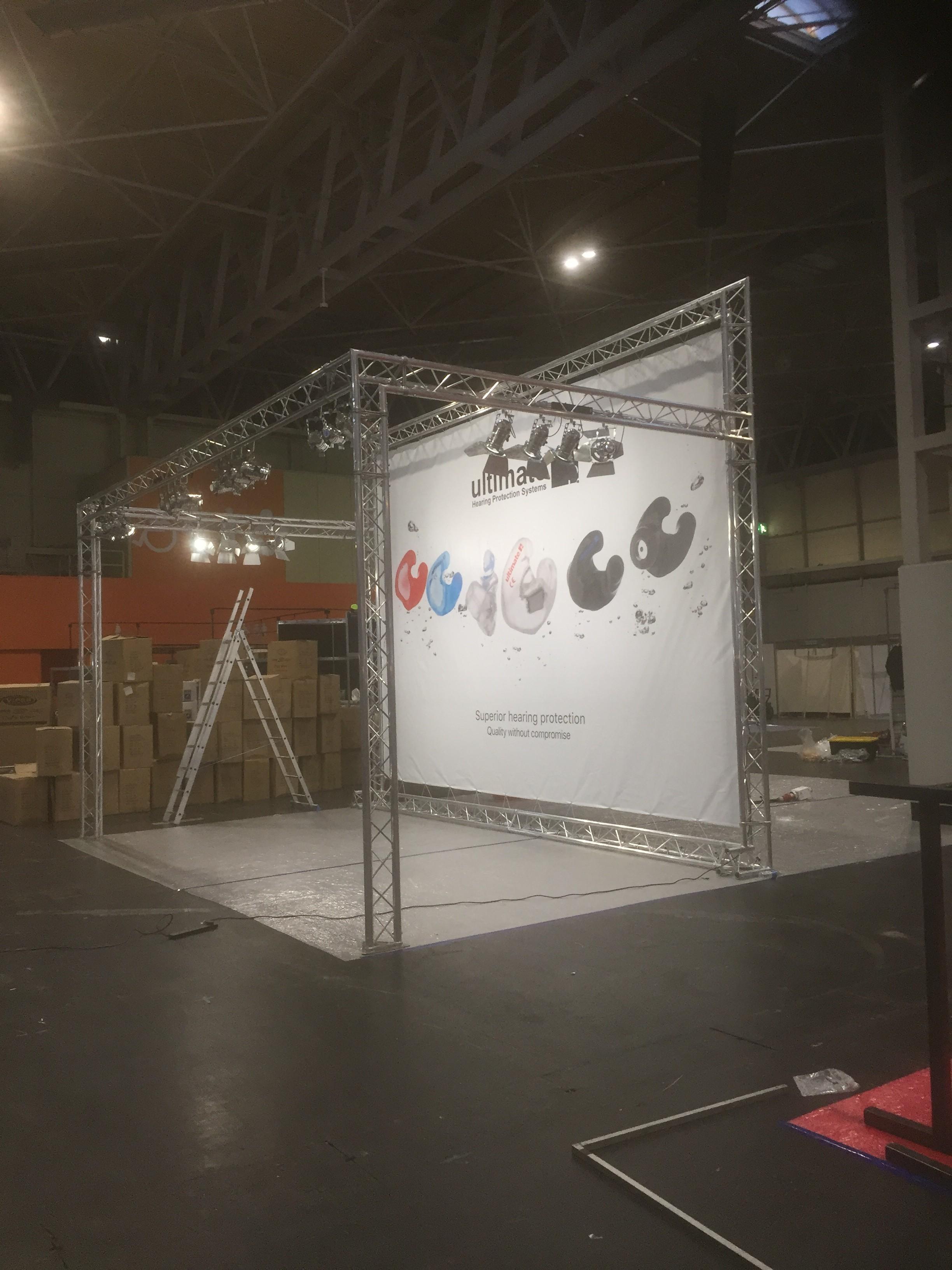 Exhibition Stand Lighting Uk : Truss with lighting u exhibition walls