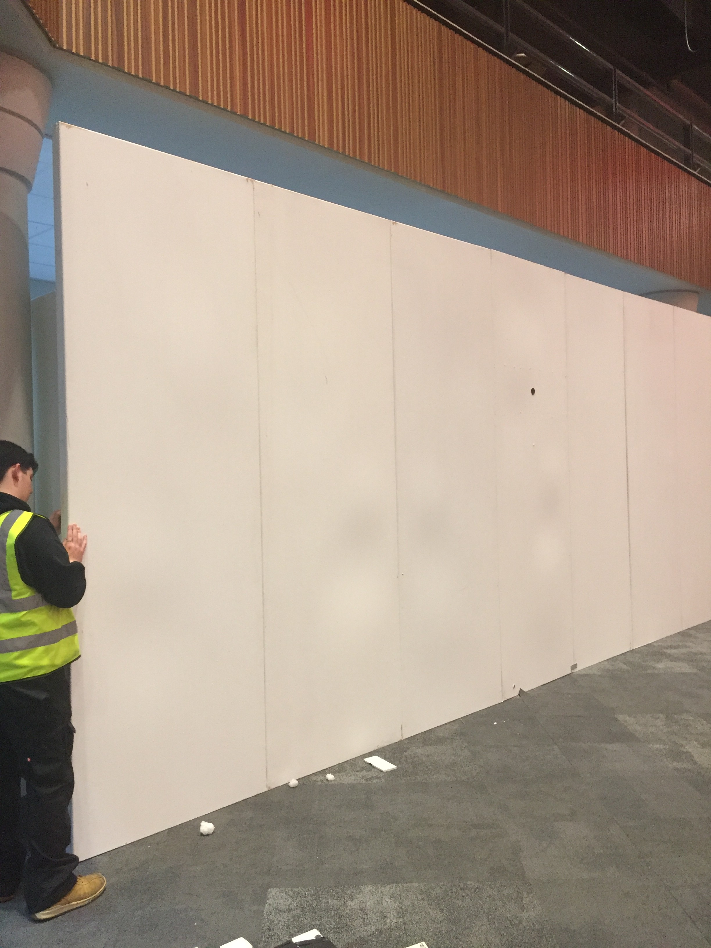 3-metre tall temporary walling